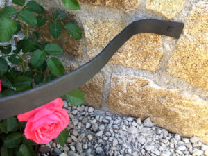 Zahradni-kvetinovy-drzak