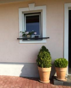 Zabrana-na-truhliky-zahradka-na-okna