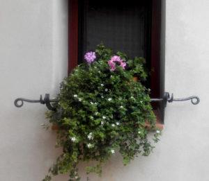 Kovana-okenni-ohradka-designova