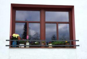 Kovana-designa-zahradka-ohradka-na-okna