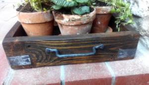 Podnos-tac-kovany-dreveny