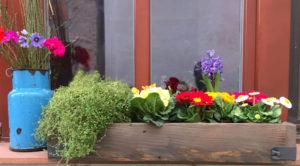 Truhlik-na-kvetiny-retro-design