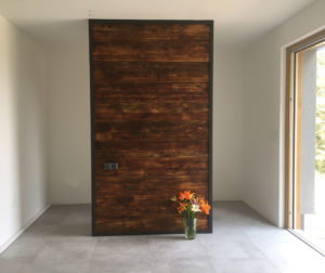 Ocelova-a-drevena-predelovaci-stena