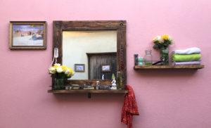 Zrcadlo-a-vsazena-police-vintage-styl