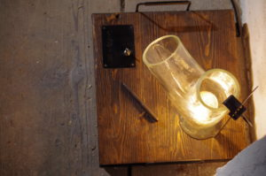 Designova-stolni-lampa