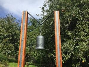 KOvany venkovni zvon designovy